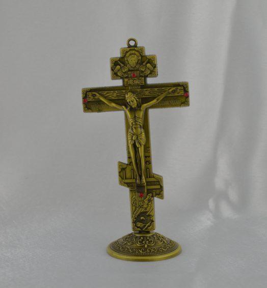 Cruce din metal